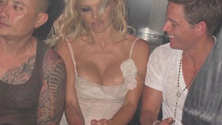 El Escote Profundo De Pamela Anderson