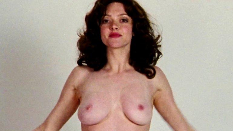 Más famosas con sus fotos íntimas y desnudas