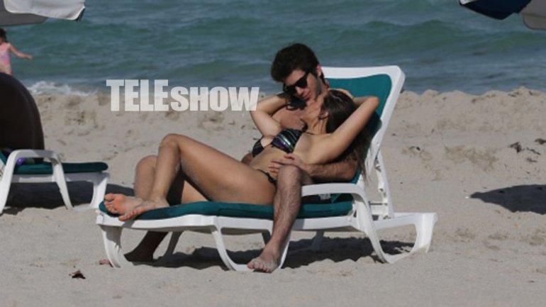 Julieta, a los besos en la playa