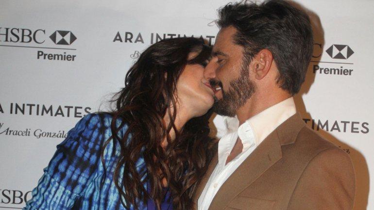 Araceli González y Fabian Mazzei