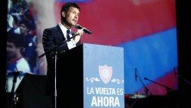 Marcelo Tinelli dando un discurso
