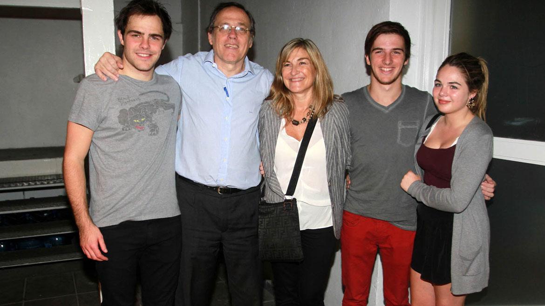 Peter Lanzani y su familia