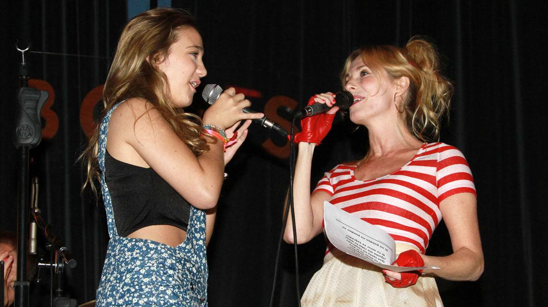 Angela Torres con su mamá, Gloria Carrá