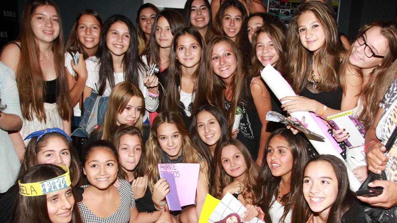 Angela Torres con sus fans, Las Angelitas