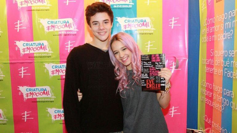 Ángela Torres con su novio