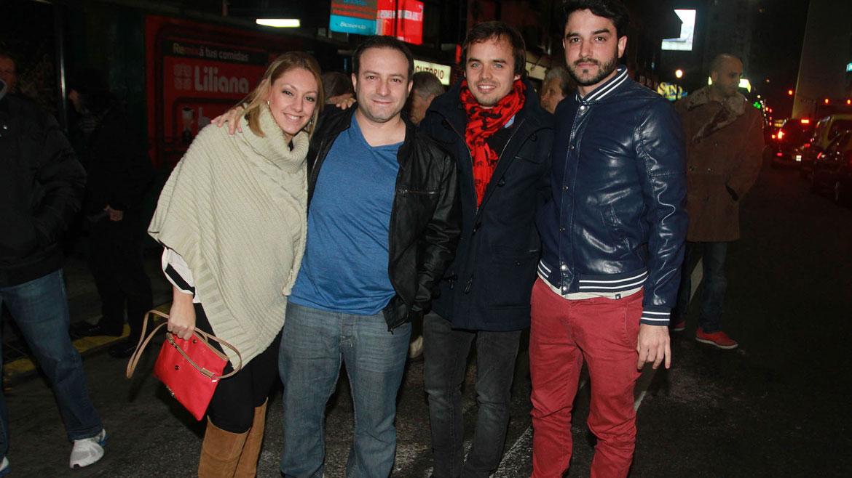 Sebastián Almada con su mujer, Benjamín Rojas y Fran Larguía