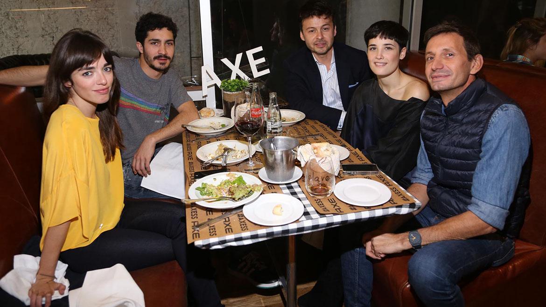 Belén Chavanne, Chino Darín, Wally Diamante, Flor Torrente y Martín Arozarena en el evento de Axe