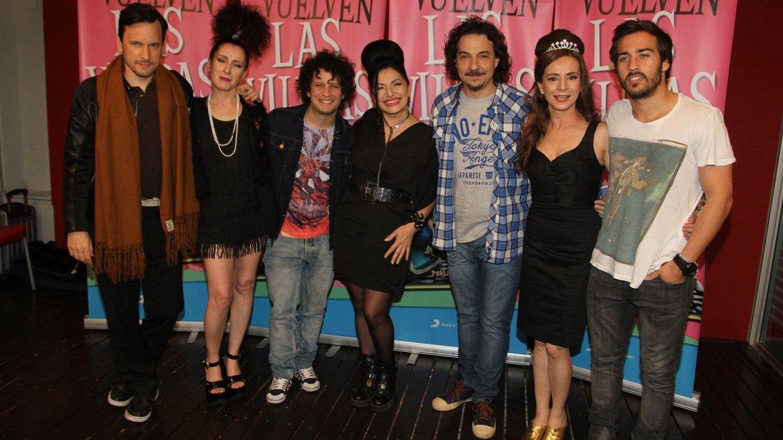 La banda con parte del elenco de la novela Viudas e hijos del Rock and roll
