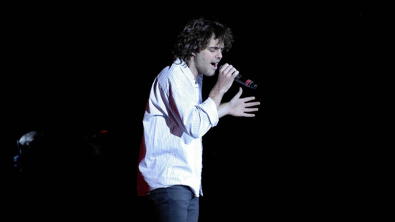 Peter Lanzani cantó varios temas sobre el escenario