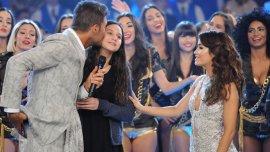 Tinelli y su hija Juanita junto a Lali Espósito en el debut de ShowMatch