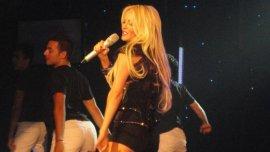 Luciana Salazar vuelve a cantar
