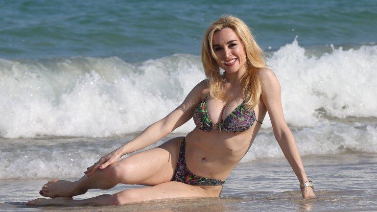 Fátima Florez en las playas de Miami