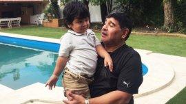 En su regreso a la Argentina, Maradona visitó a su hijo Diego Fernando