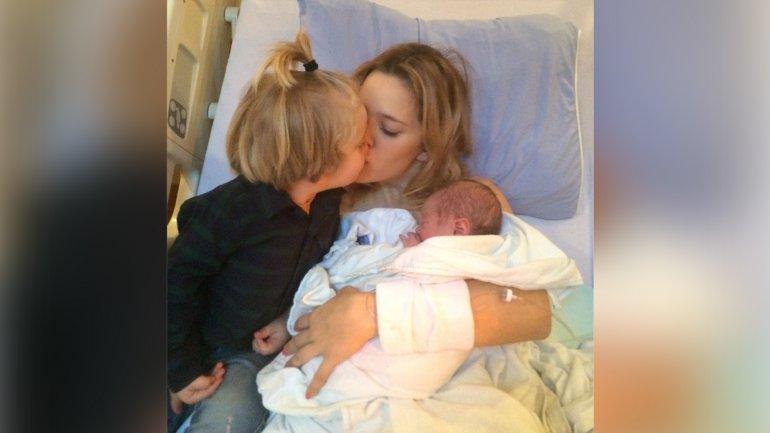 Luisana Lopilato junto a sus hijos Noah y Elías