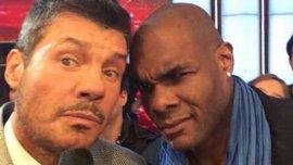 El Negro John, con Marcelo Tinelli durante su participación en ShowMatch