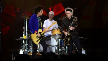 Ron Wood, Charlie Watts y Keith Richards, rockeando a los 70