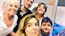 Claudia Villafañe, Dalma, Gianinna y Benjamín junto a Jey Mammon