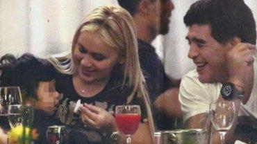Dieguito con Verónica Ojeda y Diego Maradona