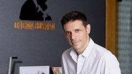 Daniel Burman (El abrazo partido y El Rey del Once) será el director de la primera serie argentina de Netflix