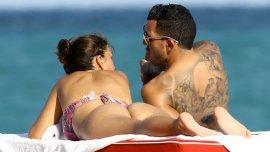 Carlos Tévez y su mujer, Vanesa Mansilla en Miami