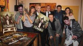 Marisa Brel, Alexis Puig,Mariano Yezze,Facundo Pastor,Toti Pasman, y Mariana Contartessi, entre los zombies
