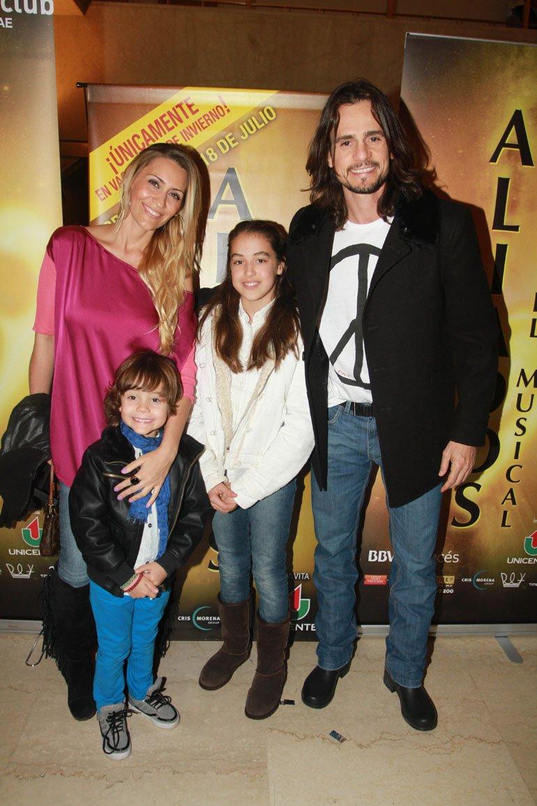 Christian Sancho con su familia