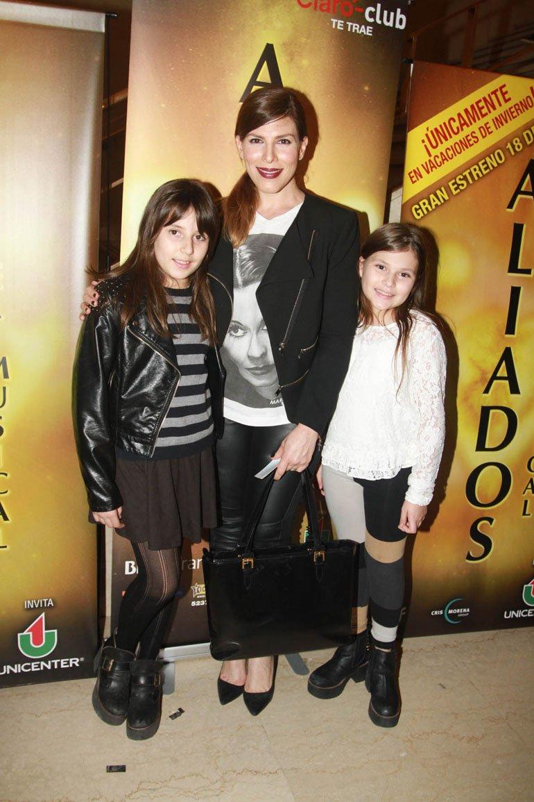 Maby Autino con sus hijas