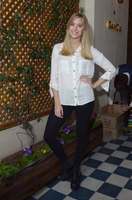 La joven actriz de Somos Familia, Olivia Viggiano de estuvo presente en la cena de Gancia en Ralph´s