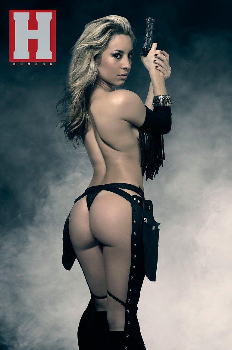 fotos de victoria vannucci en la revista playboy: