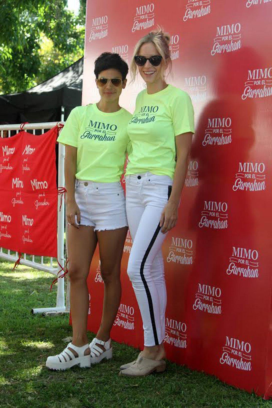 Agustina Cherri y Brenda Gandinien la caminata Mimmo por el Garrahan