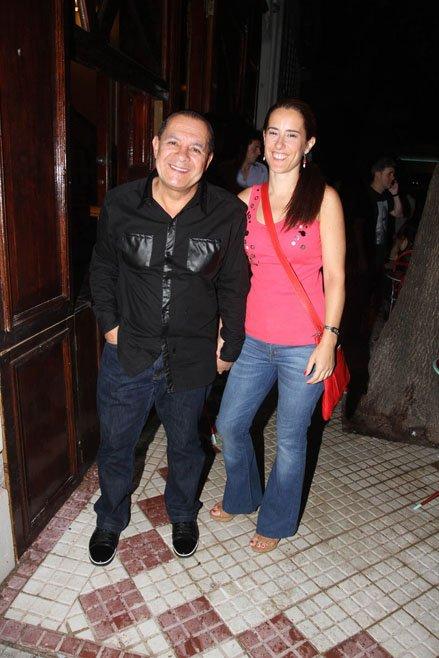 Darío Arellano y su pareja