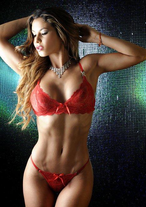 Bikini en casa de amigos - 2 part 6