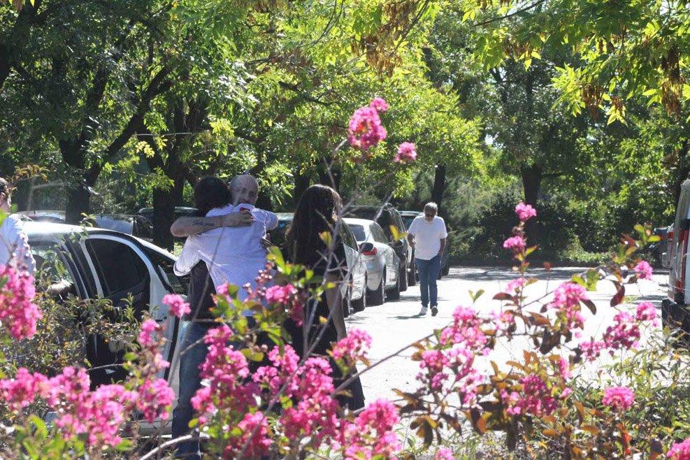 Homenaje a gerardo sofovich en el cementerio jard n de paz for Cementerio jardin de paz