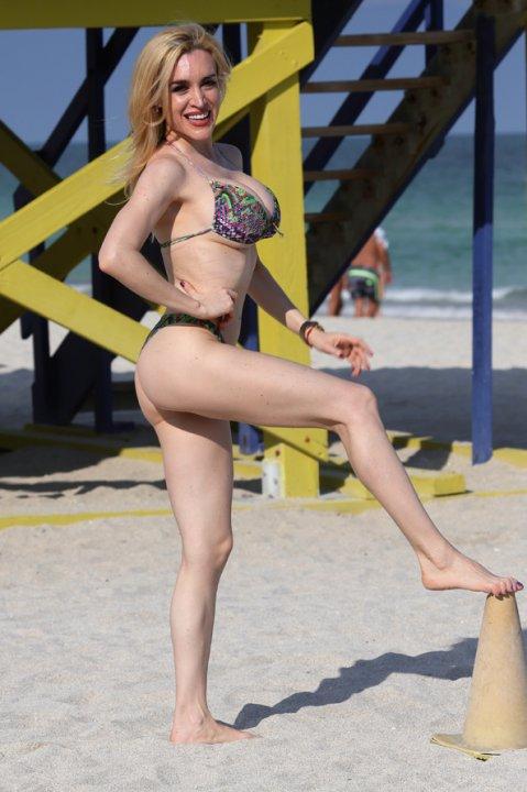 Fátima Florez, sensual en las playas de Miami