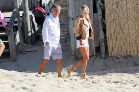 El presidente de FIAT Argentina Cristiano Rattazzi junto a su mujer Gabriela Castellán