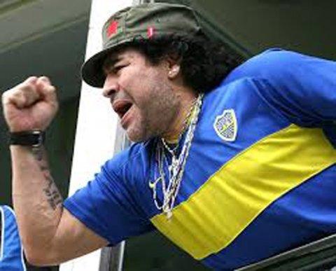 La gorra color verde militar que Fidel Castro le regaló a Diego Maradona
