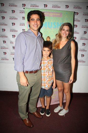 Natalia Figueiras con su esposo y su hijo