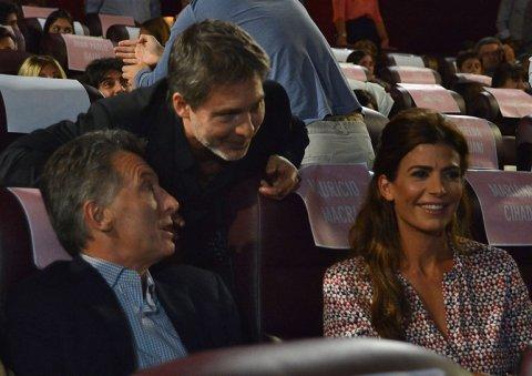 Mauricio Macri, presente junto a Juliana Awada en el estreno de la película de Adrián Suar