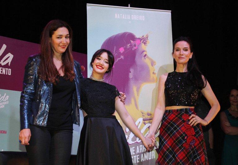 Natalia Oreiro y Ángela Torres con Lorena Muñoz, la directora de la película